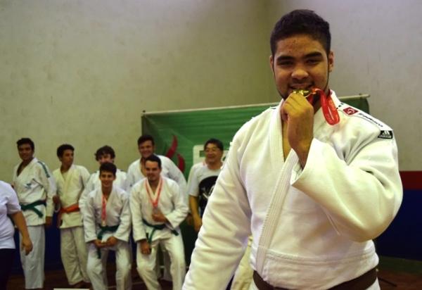 João Paulo comemora medalha de ouro