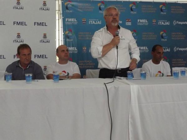 Dirigentes municipais conheceram os adversários das suas equipes e também detalhes da logística do principal evento do esporte catarinense, que começa dia 15 em Itajaí