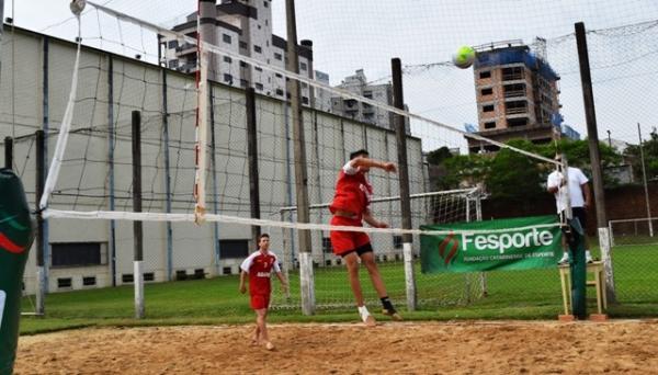Equipes de vôlei de praia conhecerão os grandes campeões na manhã deste sábado (3), em Concórdia.